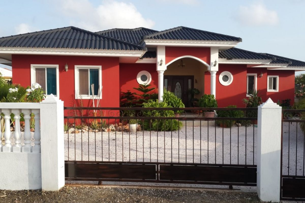 Beautiful Spacious Modern 3 Bedroom 2 Bathroom House Apartment For Sale In Grote Berg New Winds Realty Curacao